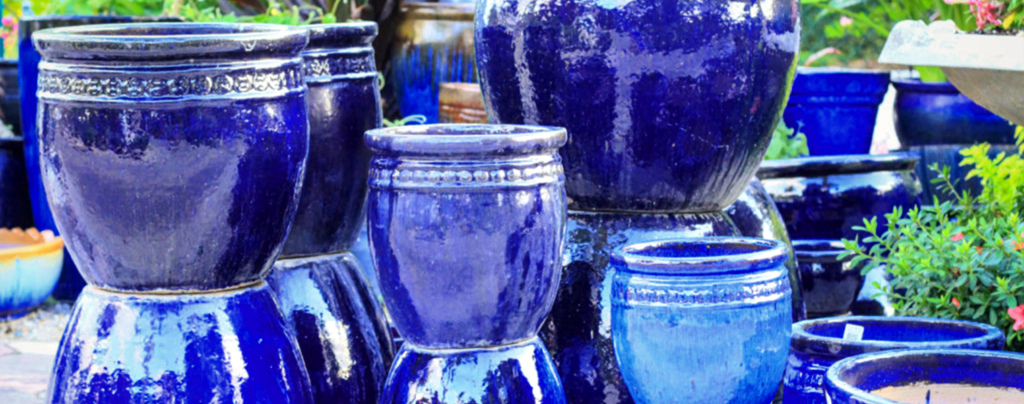 pottery-trends-2020-living-color-midnight-blue-pots