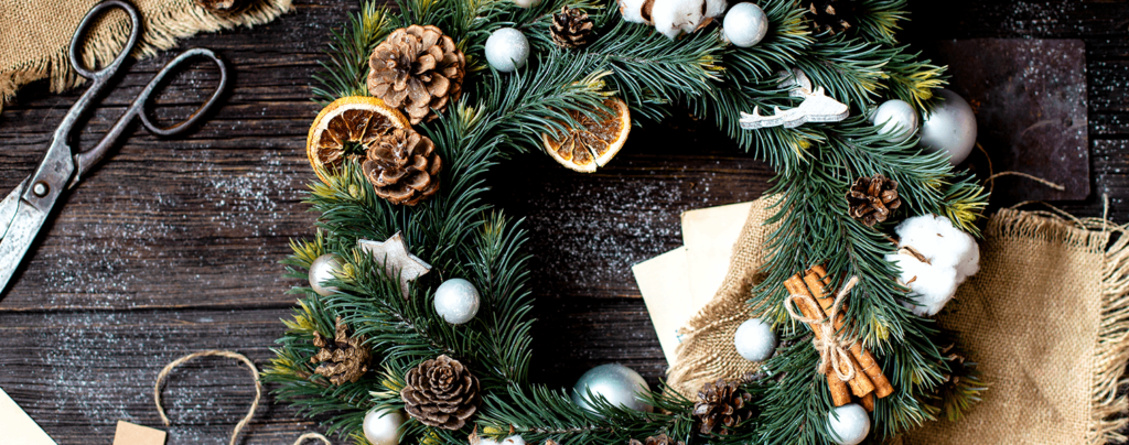 living-color-christmas-decoration-ideas-wreath-with-oranges