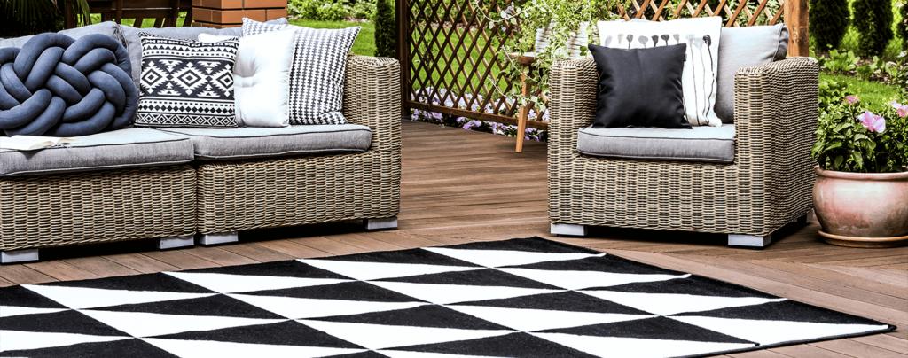 living-color-2021-garden-landscape-design-trends-black-white-patio-decor